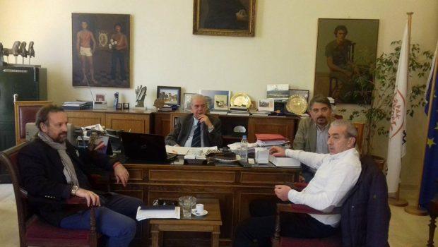 Συνάντηση Βαρδάκη Σωκράτη με τον Δήμαρχο Ηρακλείου για το Περιφερειακό Γραφείο Ασύλου Κρήτης