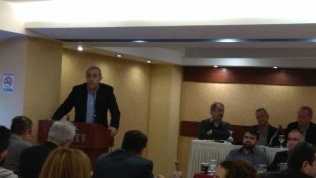 Ο Σωκράτης Βαρδάκης στο συνέδριο της Πανελλήνιας Ομοσπονδίας Εργατών Επισιτισμού και Υπαλλήλων Τουριστικών Επαγγελμάτων