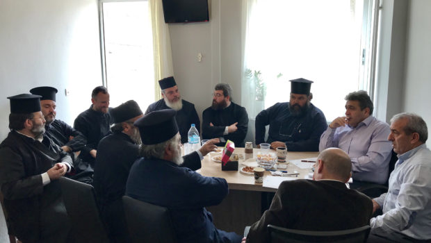 Συνάντηση των βουλευτών Ηρακλείου του ΣΥΡΙΖΑ με τους ιερείς της Βιάννου
