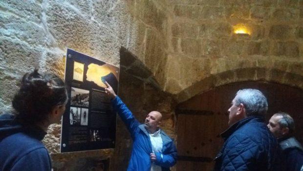Ξενάγηση του Σωκράτη Βαρδάκη στην έκθεση των αρχαίων ναυαγίων στον Κούλε