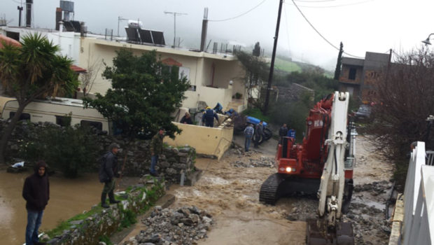 1,65 εκατ. ευρώ σε δήμους της Κρήτης για αποκατάσταση ζημιών