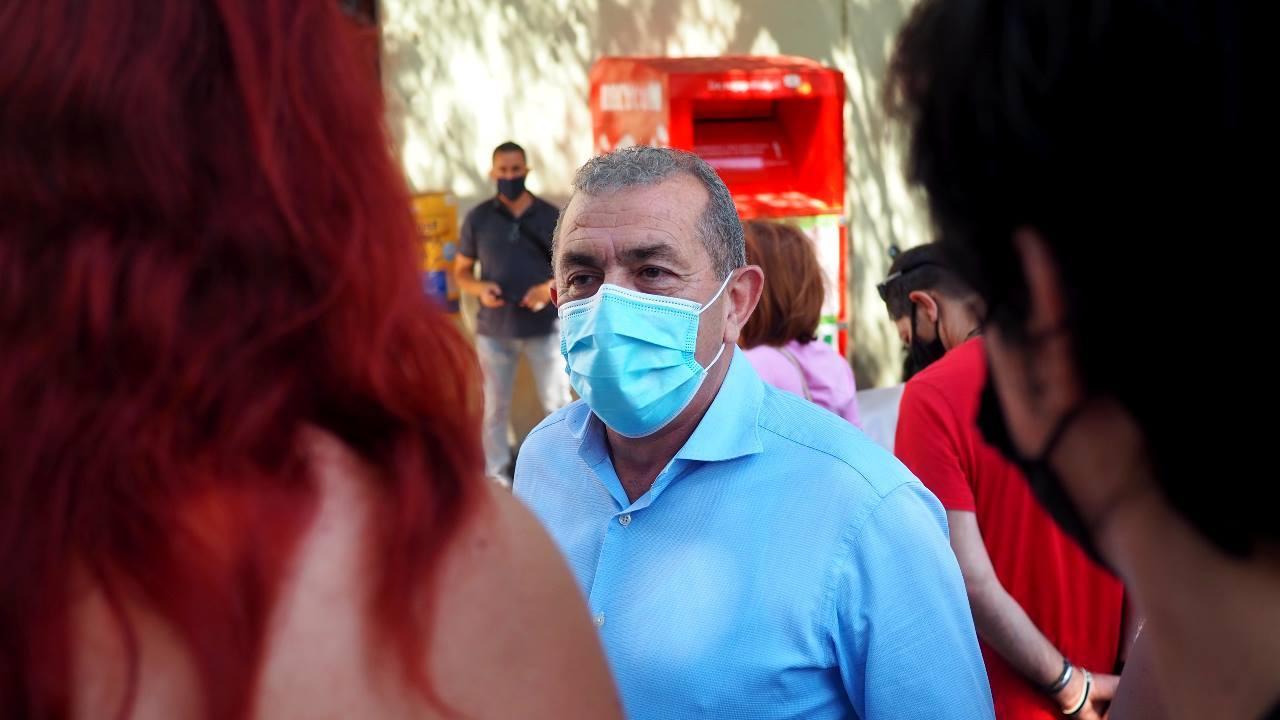 Από την προσυγκέντρωση των εργατικών σωματείων στο Εργατικό Κέντρο Ηρακλείου, πριν την μεγάλη πορεία