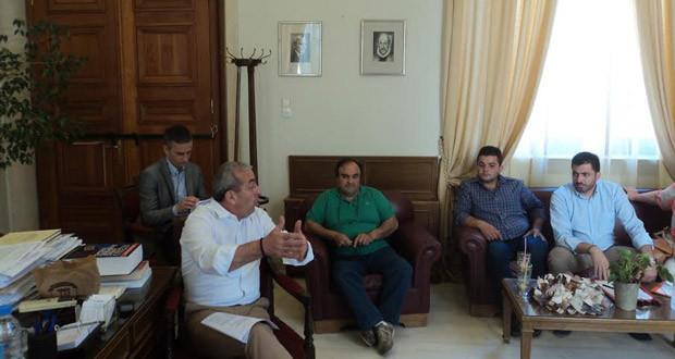 Από τη συνάντηση των οικιστών με τον Δήμαρχο Ηρακλείου και τον Σ. Βαρδάκη