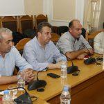 Από τη συνάντηση του Προέδρου του ΕΛΓΑ με τους εκπροσώπους των αγροτών και κτηνοτρόφων στην Περιφέρεια Κρήτης, παρουσία και του Περιφερειάρχη, όπου συμμετείχε ο Βουλευτής του ΣΥΡΙΖΑ Βαρδάκης Σωκράτης.