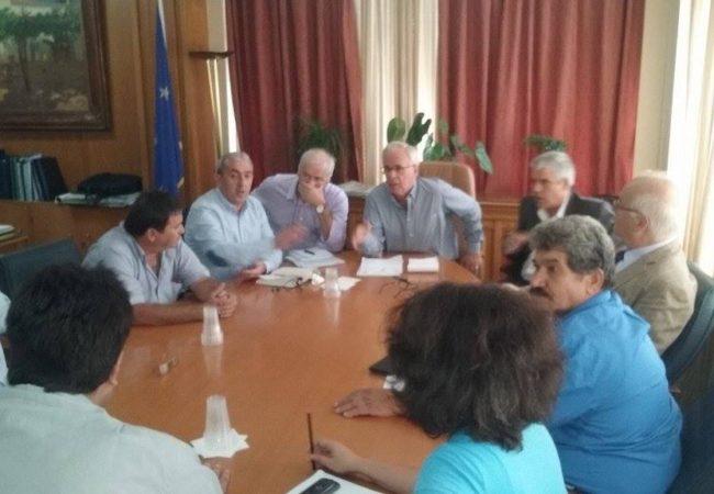 Από την συνάντηση του Βαρδάκη Σωκράτη με τον Υπουργό Αγροτικής Ανάπτυξης κ. Αποστόλου και τους εκπροσώπους των παραγωγών αποσταγματοποιών