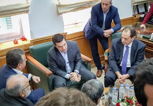 Επίσκεψη Τσίπρα στον Περιφερειάρχη Κρήτης, μαζί με Χρ. Σπίρτζη, Χρ. Βερναρδάκη, Παν. Κουρουμπλή