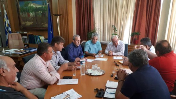 Συνάντηση Βαρδάκη Σωκράτη με Υπουργό Αγροτικής Ανάπτυξης και εκπροσώπους Διοικήσεων Τ.Ο.Ε.Β. Κρήτης και της Π.Ο.Υ.Ο.Ε.Β. για θέματα έργων και οργανισμών εγγείων βελτιώσεων