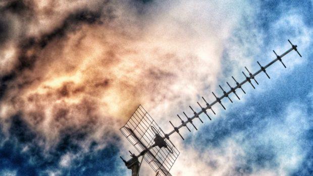 Κατατέθηκε το νομοσχέδιο για την ενίσχυση των πολιτών που διαμένουν σε περιοχές χωρίς τηλεοπτικό σήμα