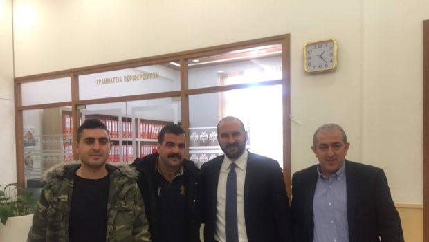 Συνάντηση Υπουργού Επικρατείας και Σωκράτη Βαρδάκη με Σωματείο Συμβασιούχων Πυροσβεστών Ανατολικής Κρήτης