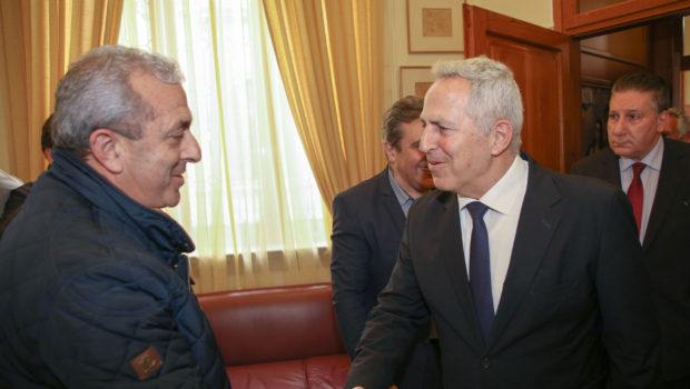 Υπεγράφη η παραχώρηση του στρατοπέδου Μπετεινάκη στον Δήμο Ηρακλείου
