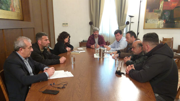 Συνάντηση Σωκράτη Βαρδάκη με εκπροσώπους των εργαζομένων των Ναυπηγείων Ελευσίνας