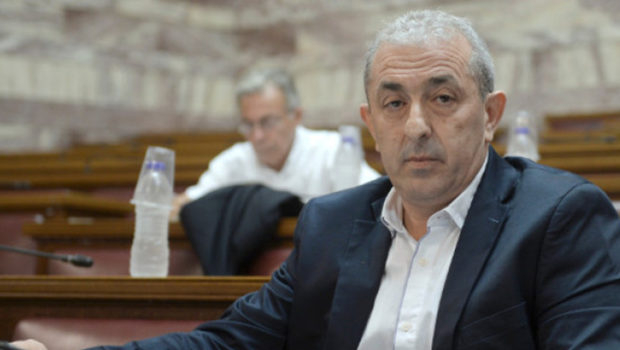 Το πρόβλημα με τους λαγοκέφαλους στη Βουλή με ερώτηση του Σωκράτη Βαρδάκη