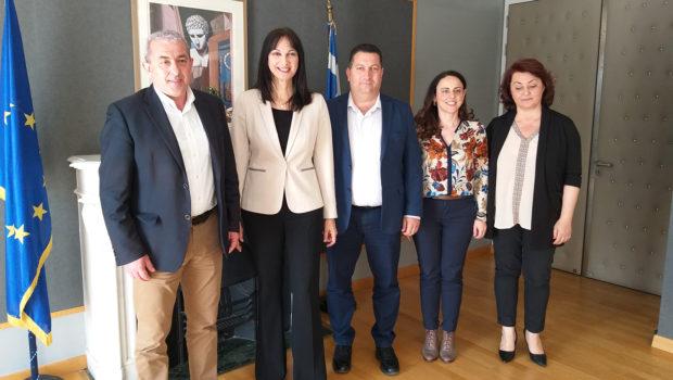 Yπογραφή της σύμβασης παραχώρησης τουριστικού λιμένα Μαλίων στο Δήμο Χερσονήσου