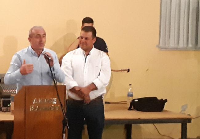 Στην Έμπαρο πραγματοποιήθηκε συνάντηση μεταξύ των κατοίκων της περιοχής, του απερχόμενου Δημάρχου κ. Παύλο Μπαριτάκη, του νεοεκλεγέντα Δημάρχου κ. Μηνά Σταυρακάκη, του νεοεκλεγέντα περιφερειακού συμβούλου Ευάγγελο Ζάχαρη, των νεοεκλεγέντων δημοτικών συμβούλων, του προέδρου του τοπικού συμβουλίου Γεώργιου Περογιαννάκη