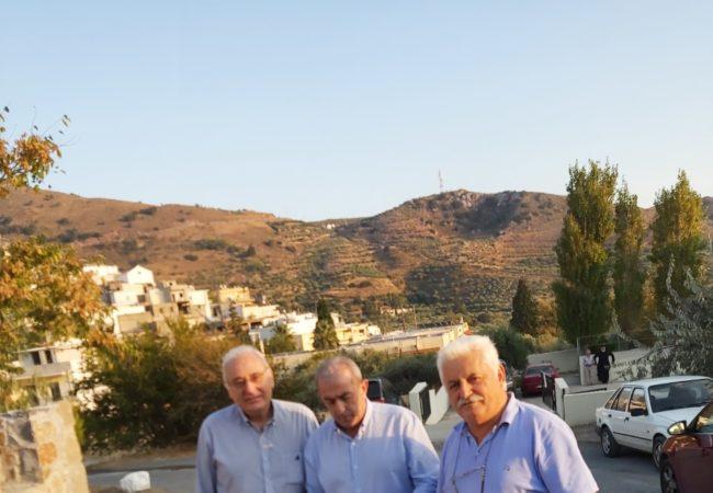 Συνάντηση με τον Δήμαρχο Βιάννου κ. Σταυρακάκη Μηνά και μέλη του δημοτικού συμβουλίου, με τους οποίους συζήτησε διεξοδικά τα θέματα αλλά και προβλήματα που αντιμετωπίζει ο Δήμος Βιάννου