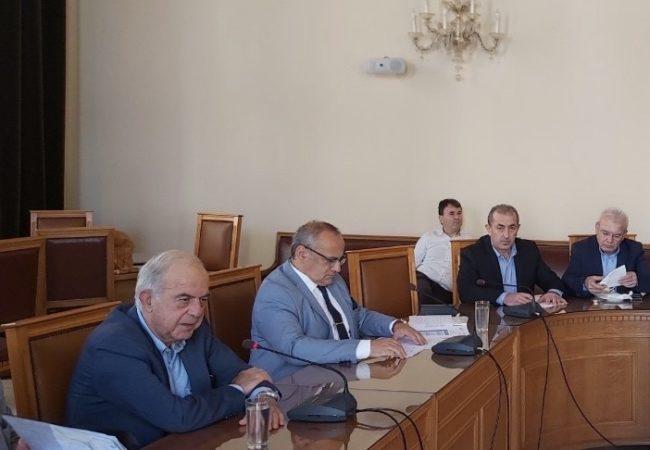 Στην σύσκεψη με θέμα την οδική ασφάλεια και την εξεύρεση βελτιωτικών μέτρων πρόληψης συμμετείχε ο βουλευτής Ηρακλείου ΣΥΡΙΖΑ Σωκράτης Βαρδάκης.