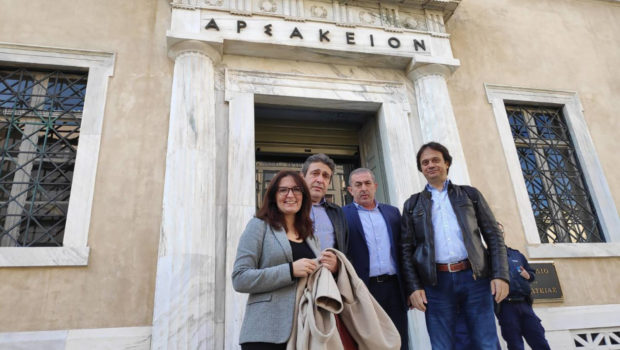Την πρόσθετη παρέμβαση του σωματείου εργαζομένων καζίνου Θράκης στο Συμβούλιο της Επικρατείας για την υπεράσπιση των τριετιών που αμφισβητούν εργοδοτικές οργανώσεις, στήριξαν οι βουλευτές Ηρακλείου ΣΥΡΙΖΑ Σωκράτης Βαρδάκης και Νίκος Ηγουμενίδης