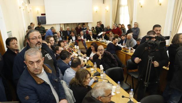Ο Σωκράτης Βαρδάκης με τους απεργούς του ΟΤΕ στο Περιφερειακό Συμβούλιο