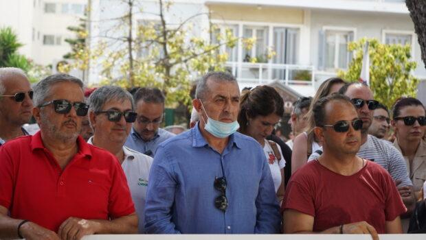 Δυναμική συγκέντρωση και διαμαρτυρία των εργαζόμενων στον τουρισμό