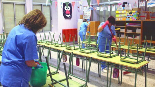 Σωκράτης Βαρδάκης: «Οι σχολικοί καθαριστές και καθαρίστριες πρέπει να τυγχάνουν σεβασμού και προστασίας και όχι εμπαιγμού»