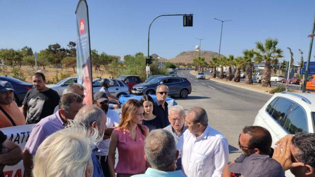 Συνάντηση Σ. Βαρδάκη με οδηγούς τουριστικών λεωφορείων και τομεάρχη Εργασίας Έφη Αχτσιόγλου