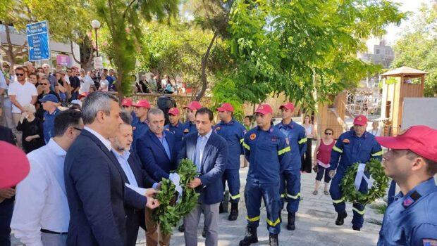 Στην τελετή που πραγματοποιήθηκε για την Ημέρα Μνήμης των Πεσόντων Πυροσβεστών και στα αποκαλυπτήρια του Μνημείου.