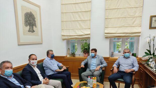Συναντήσεις με τον Περιφερειάρχη Κρήτης κ. Σταύρο Αρναουτάκη και τους Δημάρχους, κ.κ. Βασίλη Λαμπρινό, Μενέλαο Μποκέα, Μανόλη Κοκοσάλη, Μανόλη Φραγκάκη.