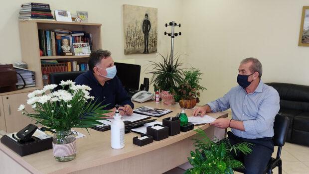 Συνάντηση Σωκράτη Βαρδάκη με τον Δήμαρχο Μινώα Πεδιάδας, Μανόλη Φραγκάκη, για μείζονος σημασίας ζητήματα.