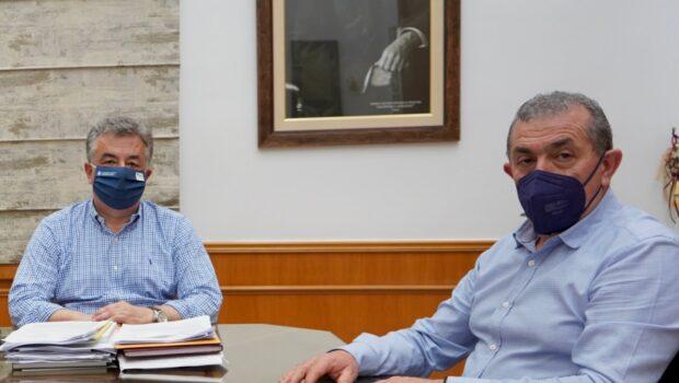 Συνάντηση με τον Περιφερειάρχη κ. Σταύρο Αρναουτάκη, για το ζήτημα της ανέγερσης του ταφικού μνημείου του Ιωάννη Κονδυλάκη στη Βιάννο